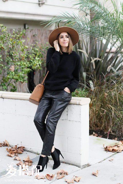 黑色毛衣搭配